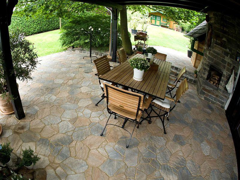 Terrassen - Lebensraum und Bereicherung - Gartenbau Landschaftsbau ...